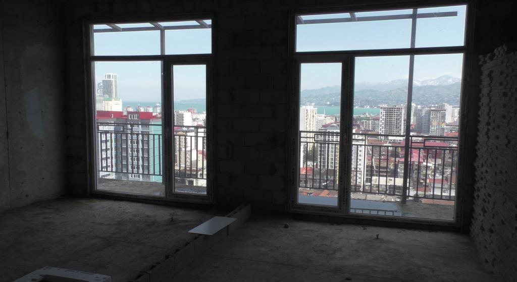 Продается трехкомнатная квартира в центре Батуми